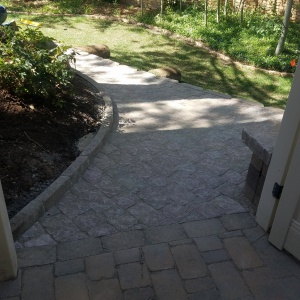 Belgard-pavers-Artstone-block-Holiday-Utah-seating-area