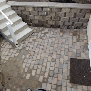 Belgard-pavers-Art-stone-small-block-walls-and-planter-areas-basement-entrances-buckskin-brown-block-Mapleton-Utah
